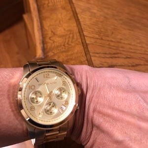 Michael Kors gold plated watch-excellent condition